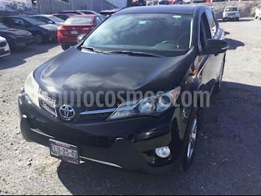 Toyota RAV4 XLE 4WD usado (2015) color Negro precio $300,000