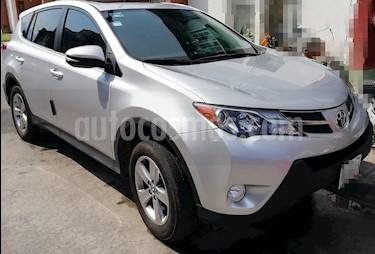 Toyota RAV4 XLE 4WD usado (2015) color Plata precio $239,999