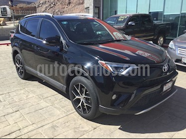 Toyota RAV4 SE 4WD usado (2016) color Negro precio $348,000