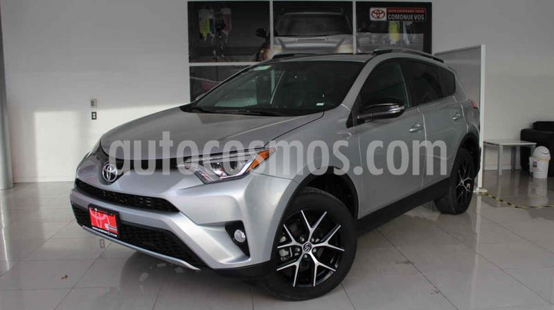 Toyota RAV4 SE 4WD usado (2018) color Plata precio $400,000