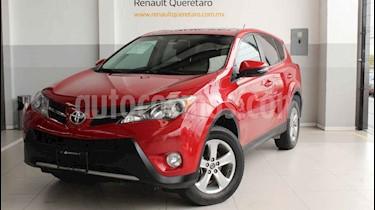 Toyota RAV4 XLE 4WD usado (2015) color Rojo precio $235,000