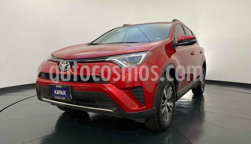 Toyota RAV4 LE usado (2016) color Rojo precio $307,999