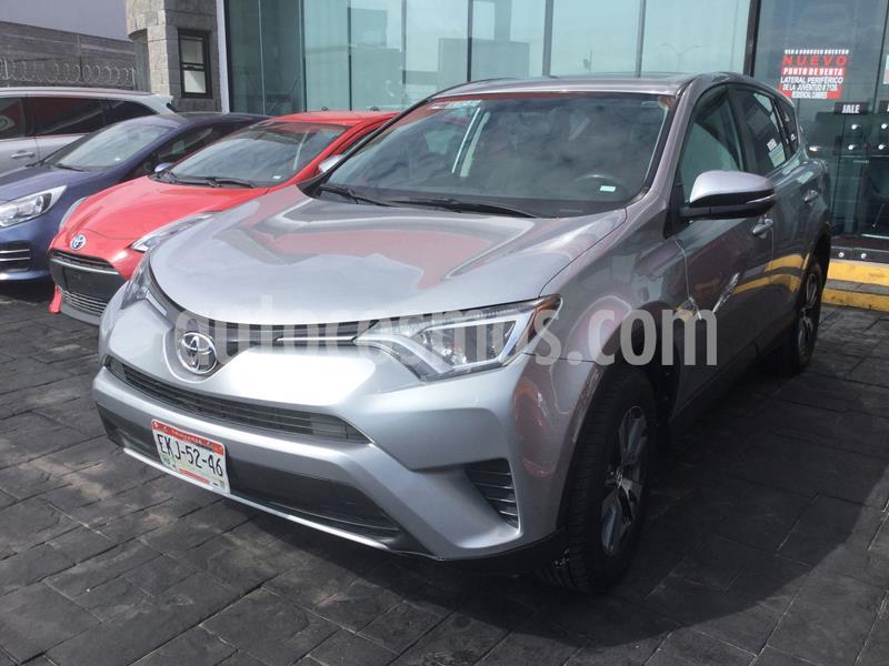Toyota RAV4 XLE  usado (2016) color Plata Dorado precio $283,000