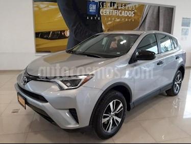 Toyota RAV4 5P LE L4 TA RA-17 usado (2018) color Plata precio $289,366