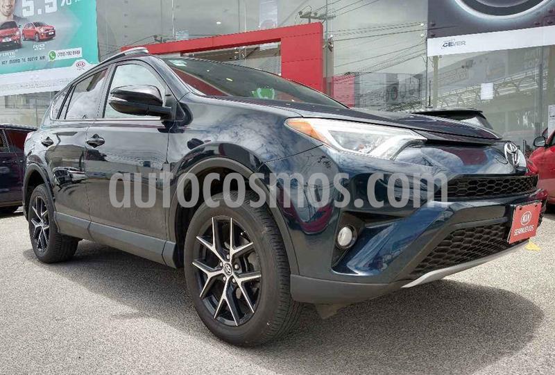Toyota RAV4 SE 4WD usado (2018) color Azul precio $409,900
