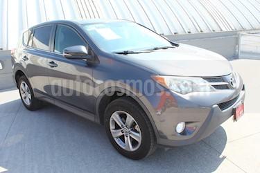 Toyota RAV4 XLE usado (2015) color Gris precio $249,000