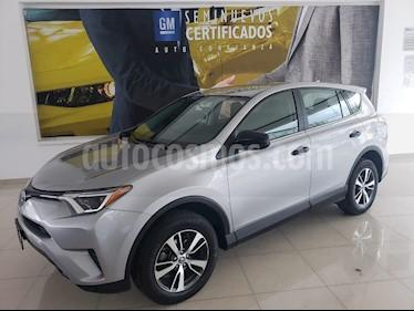 Toyota RAV4 2.5L Base usado (2018) color Plata precio $293,900