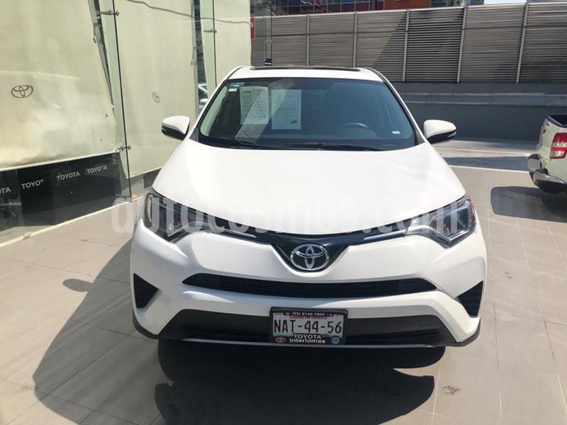 Toyota RAV4 XLE  usado (2017) color Blanco precio $320,000