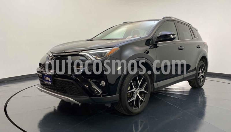 Toyota RAV4 SE 4WD usado (2016) color Negro precio $344,999