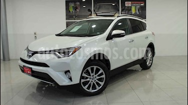 Toyota RAV4 2.4L Limited usado (2018) color Blanco precio $420,000