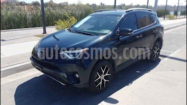 Toyota RAV4 5p SE L4/2.5 Aut usado (2017) color Azul precio $370,000