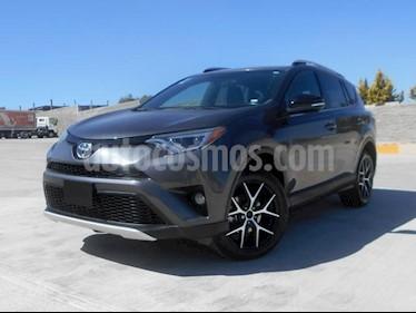 Foto venta Auto usado Toyota RAV4 SE 4WD (2016) color Gris Oscuro precio $329,000