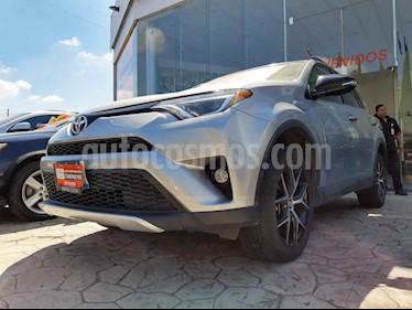 Foto Toyota RAV4 SE 4WD usado (2016) color Plata precio $355,000