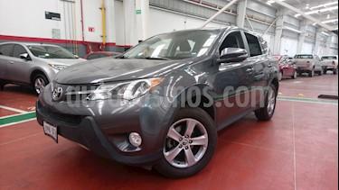 Foto venta Auto Seminuevo Toyota RAV4 XLE 4WD (2015) color Gris Acero precio $285,000