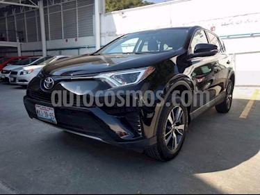 Foto venta Auto Seminuevo Toyota RAV4 XLE 4WD (2016) color Negro precio $315,000