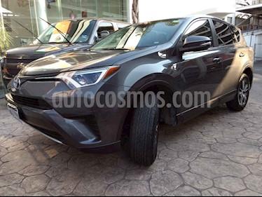 Foto venta Auto usado Toyota RAV4 XLE 4WD (2016) color Gris precio $310,000