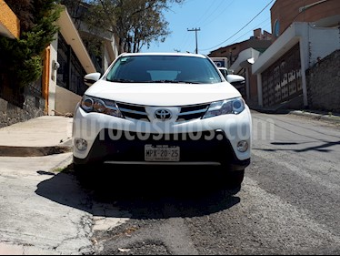 Toyota RAV4 XLE 4WD usado (2013) color Blanco precio $229,000