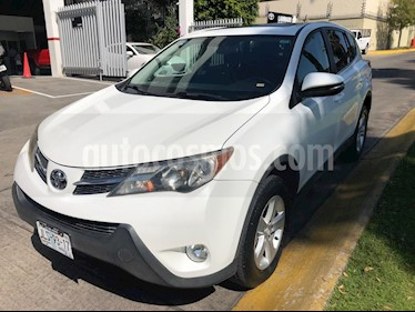 Foto venta Auto Seminuevo Toyota RAV4 XLE 4WD (2014) color Blanco precio $299,000