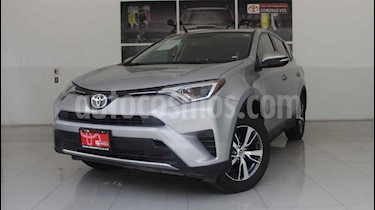 Foto venta Auto usado Toyota RAV4 XLE 4WD (2016) color Plata precio $330,000