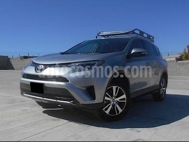 Foto venta Auto usado Toyota RAV4 XLE Plus 4WD (2017) color Plata precio $365,000