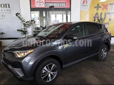 Foto venta Auto Seminuevo Toyota RAV4 XLE Plus 4WD (2018) color Cafe precio $449,000