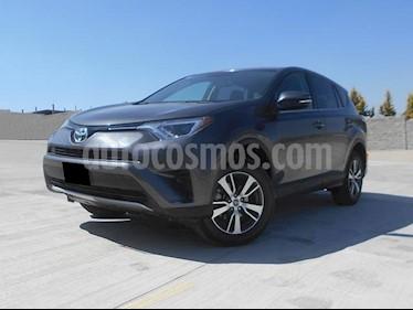 Foto venta Auto usado Toyota RAV4 XLE Plus 4WD (2017) color Gris Oscuro precio $385,000