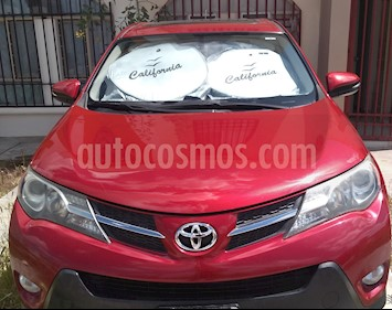 Toyota RAV4 XLE usado (2014) color Rojo precio $260,000