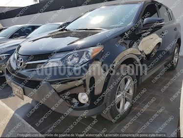 Foto venta Auto usado Toyota RAV4 XLE (2015) color Negro precio $284,000