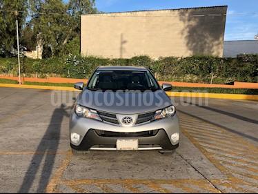 Foto venta Auto usado Toyota RAV4 XLE  (2013) color Plata precio $248,000