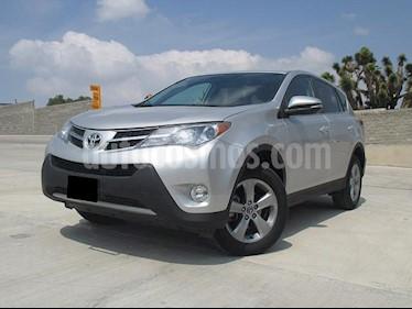 Foto venta Auto usado Toyota RAV4 XLE (2015) color Plata precio $270,000