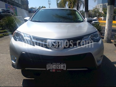 Foto venta Auto usado Toyota RAV4 XLE (2014) color Plata precio $285,000