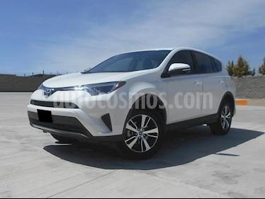 Foto venta Auto usado Toyota RAV4 XLE (2018) color Blanco precio $388,000