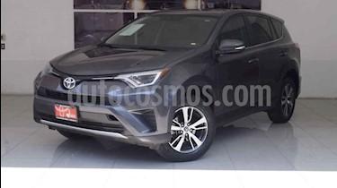 Foto venta Auto usado Toyota RAV4 XLE  (2015) color Gris precio $305,000