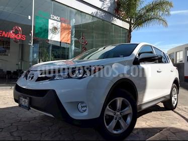 Foto venta Auto usado Toyota RAV4 XLE  (2015) color Blanco precio $270,000