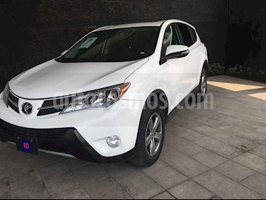 Foto venta Auto usado Toyota RAV4 XLE  (2015) color Blanco precio $255,500