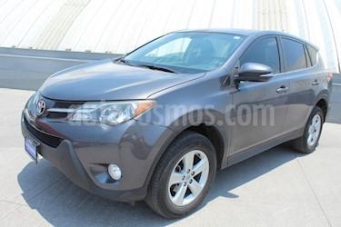 Foto venta Auto usado Toyota RAV4 XLE  (2013) color Gris Oscuro precio $239,000