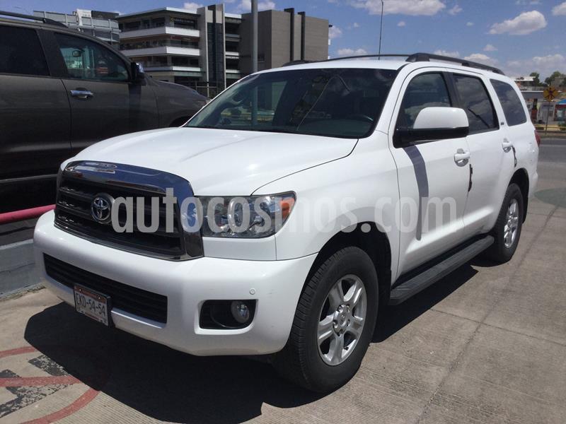 Toyota Sequoia SR5 Piel usado (2011) color Blanco precio $228,000