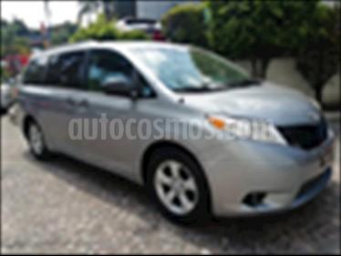Toyota Sienna 3.5 LE AT usado (2012) color Plata precio $240,000
