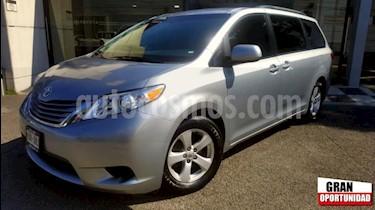 Foto venta Auto usado Toyota Sienna 5p LE V6/3.5 Aut (2015) color Plata precio $318,000