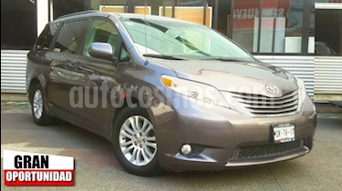 Foto venta Auto usado Toyota Sienna 5p XLE V6/3.5 Aut (2014) color Gris precio $308,000