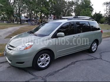Foto Toyota Sienna CE 3.3L usado (2006) color Verde precio $130,000