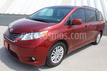 Foto venta Auto usado Toyota Sienna CE 3.3L (2017) color Rojo precio $365,000