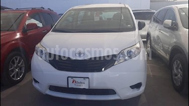 Foto venta Auto Seminuevo Toyota Sienna CE 3.5L (2015) color Blanco precio $264,000
