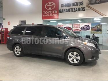 Foto venta Auto Seminuevo Toyota Sienna CE 3.5L (2014) color Gris precio $275,000