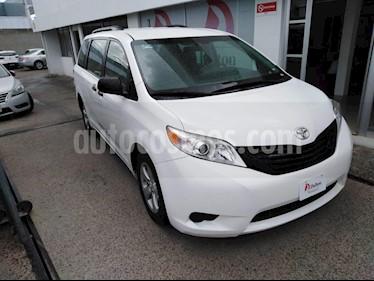 Foto venta Auto Seminuevo Toyota Sienna CE 3.5L (2015) color Blanco precio $285,000