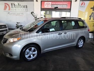 Foto venta Auto usado Toyota Sienna CE 3.5L (2017) color Beige precio $409,000