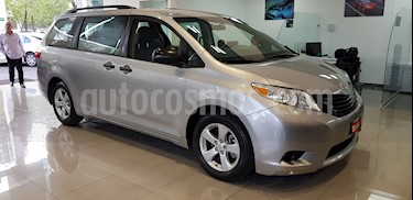 Toyota Sienna CE 3.5L usado (2016) color Plata precio $339,000