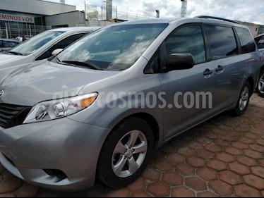 Foto venta Auto usado Toyota Sienna CE 3.5L (2017) color Gris precio $357,000