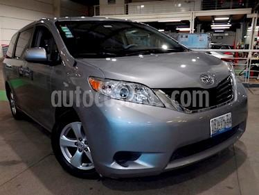 Foto venta Auto usado Toyota Sienna LE 3.3L (2014) color Plata precio $285,000