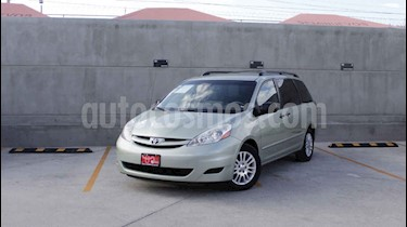 Foto venta Auto usado Toyota Sienna LE 3.5L (2009) color Verde precio $145,000